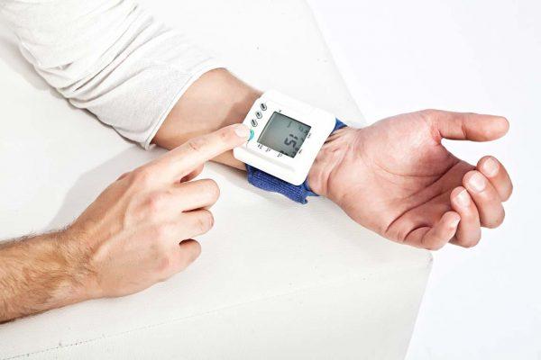 Sanitätsbedarf Blutdruckmessgerät